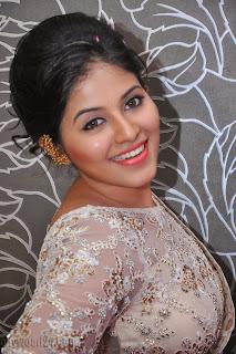 Anjali latest Glamorous pics in saree 004