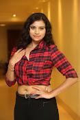 Priyanka latest glam pics-thumbnail-19