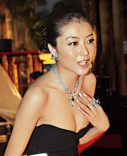 Lynn xiong lynn xiong at hong kong fashion show event 171 china