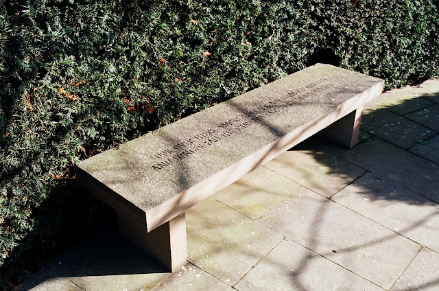London bench Serpentine Gallery Hyde Park