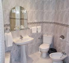 contoh kamar mandi rumah minimalis mewah