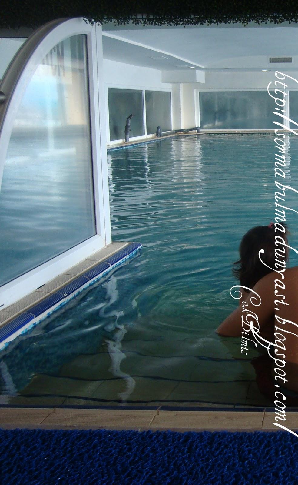 Çocuk bornozları için havuz. Doğru olanı nasıl seçeceğim