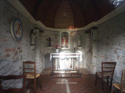 Intérieur de la Chapelle Saint-Melaine, à La Chapelle de Brain