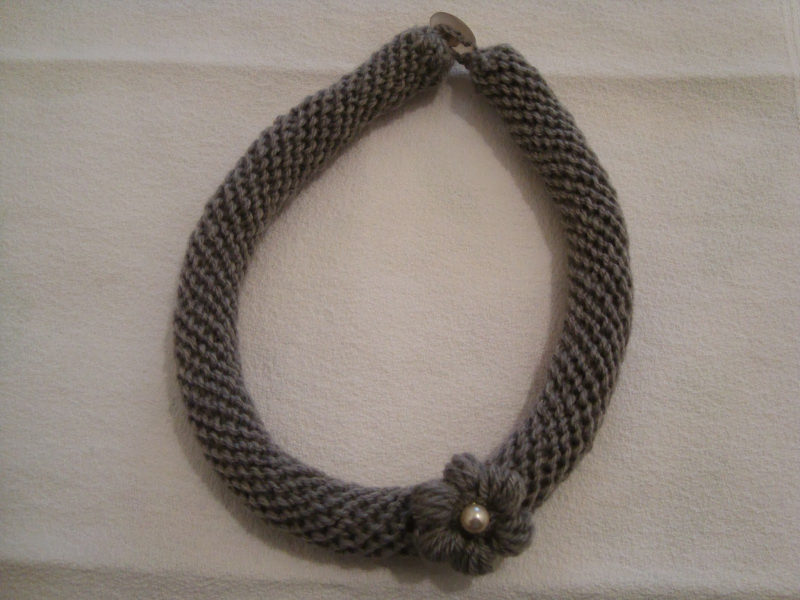 Popolare Le creazioni Di Grazia: Collane tubolari in lana all'uncinetto. KD14