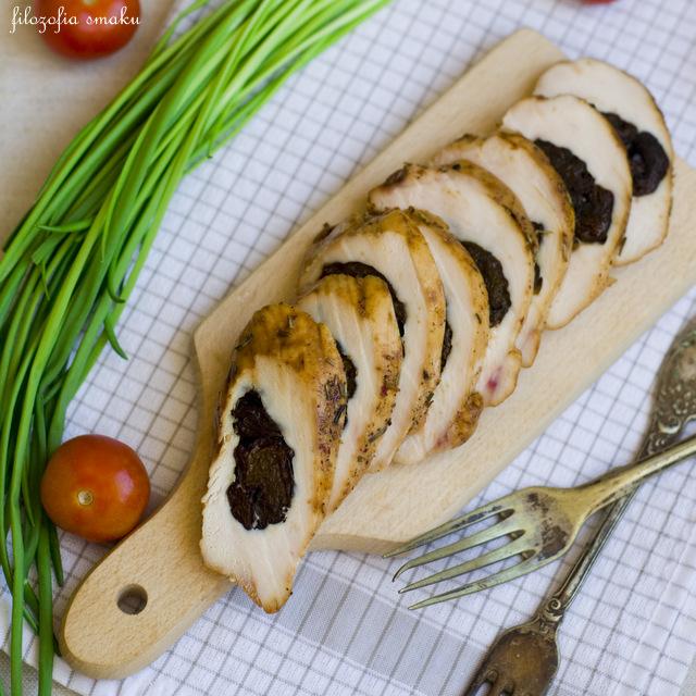 Filety z kurczaka nadziewane śliwkami