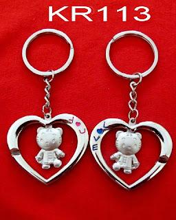 gantungan-kunci-love