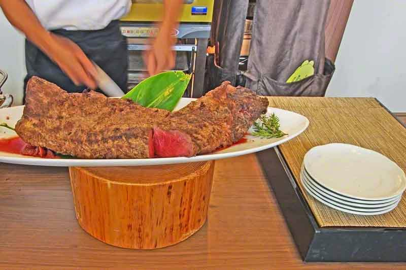 prime rib,steak,carving,knife