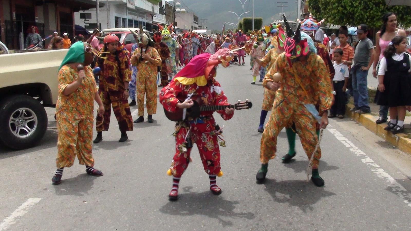 32 Diablos Danzantes De Nirgua Cultores En La Localidad De Nirgua
