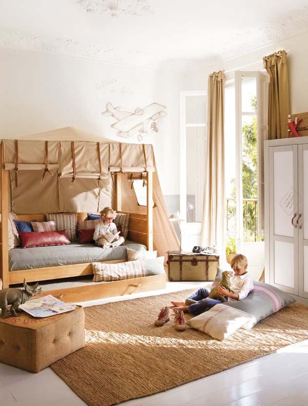 decorar con baules  antiguos - la habitación infantil exploradores