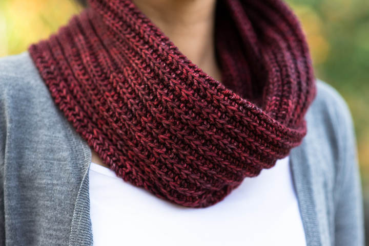 KNITTING THE BARBARA COWL - FREE PATTERN!!   VERY SHANNON