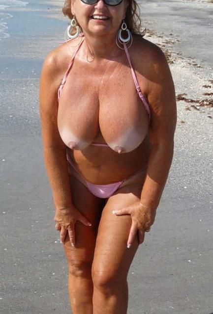 Big tit bbw newbie amerie thomas fucks in bikini by pool 10