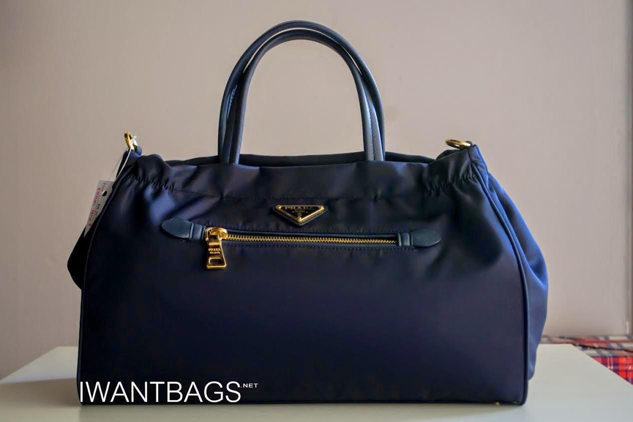 3975b4bac341 Prada B1843M Tessuto Nylon Bag-Bleu