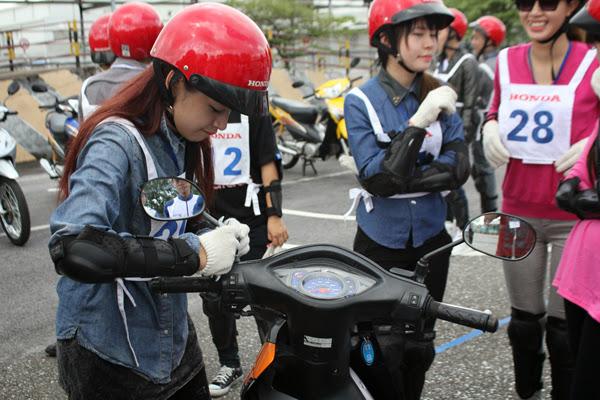 Lắp gương xe máy không đúng liệu có bị phạt