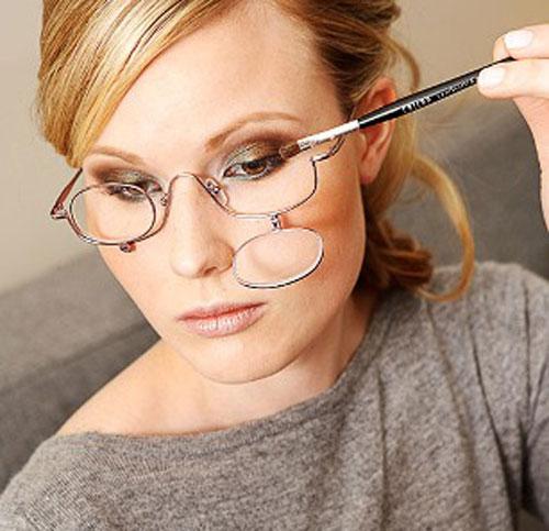 Как делать себе макияж если ты в очках