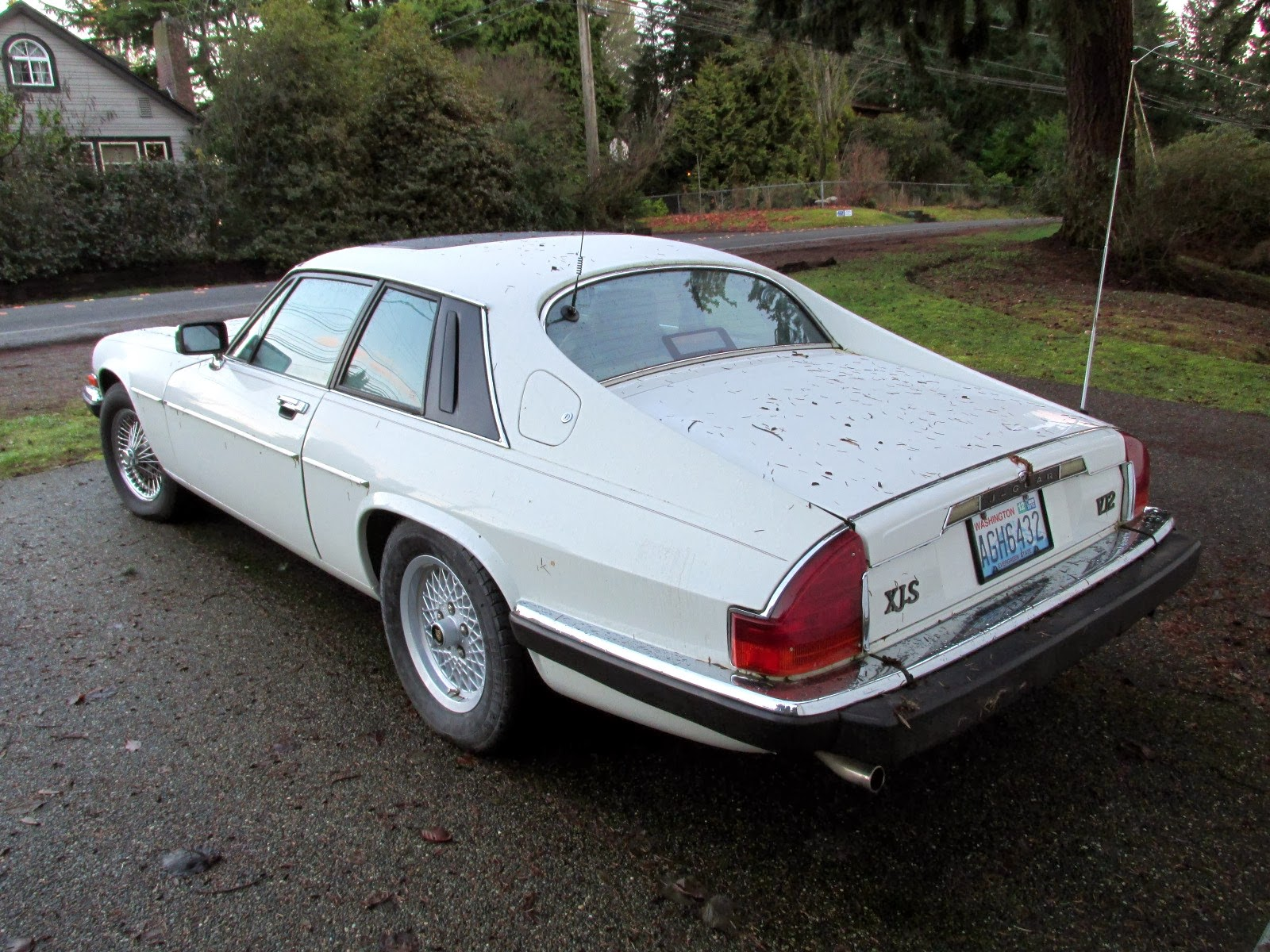 seattle 39 s classics 1989 jaguar xjs v12 coupe. Black Bedroom Furniture Sets. Home Design Ideas