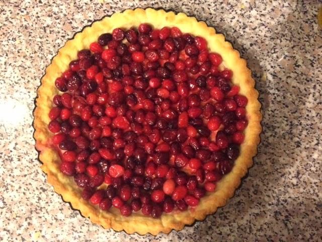 Финский клюквенный пирог с меренгой, клюква