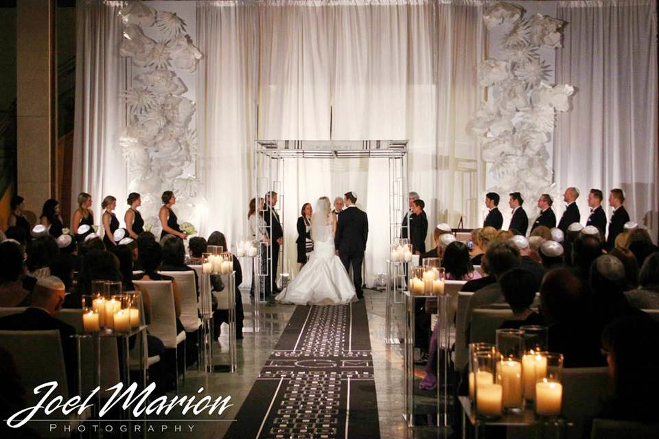 Black and White Decor for a Missouri History Museum Wedding ...
