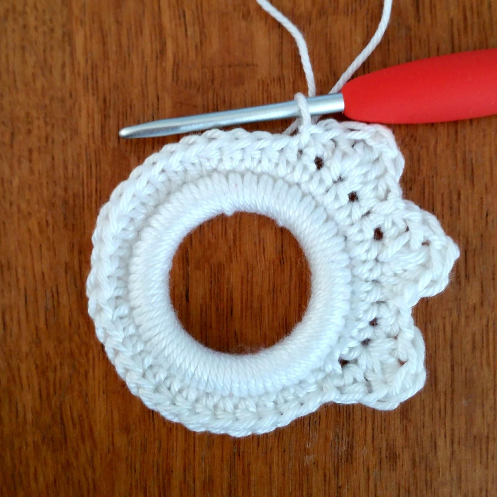 Crochet Addict Gratis Haakpatroon Kersthanger