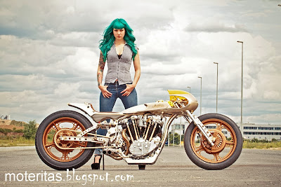 Girl-bike-custom-rider-pics-image-wallpaper
