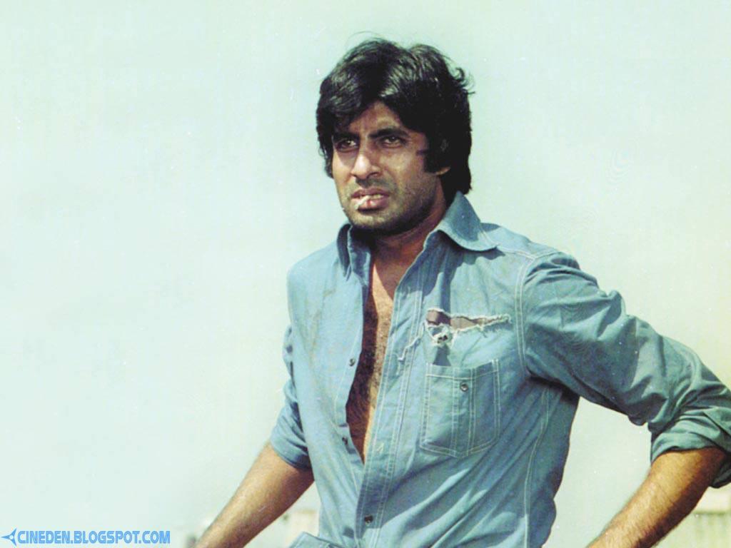 Amitabh Bachchan enjoys 'Yamla Pagla Deewana 2' trailer