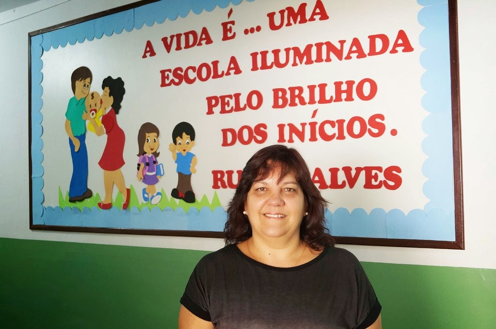 A diretora Lucimar Thuller de Siqueira ressalta a importância da inclusão digital no interior do município