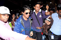 Shahrukh leaves for London to promote chennai express