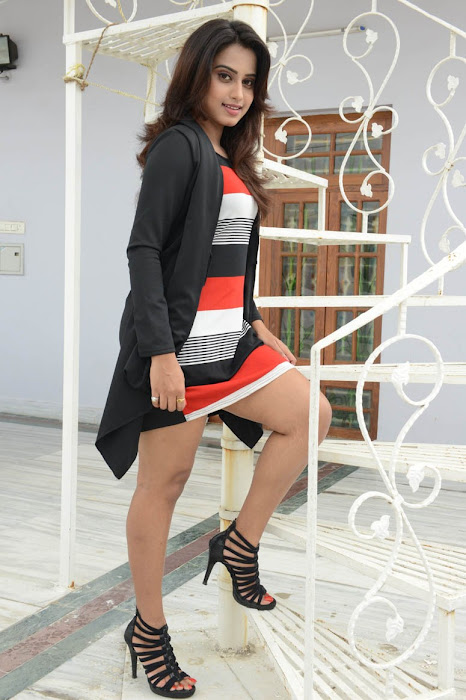 dimple chopade unseen pics
