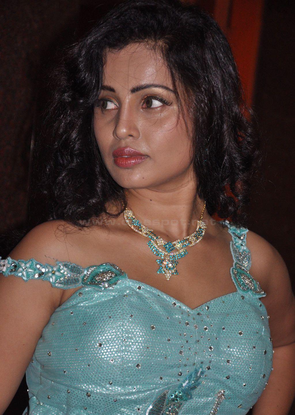 Divya Bharti Hot Bikini Image Gallery, Images
