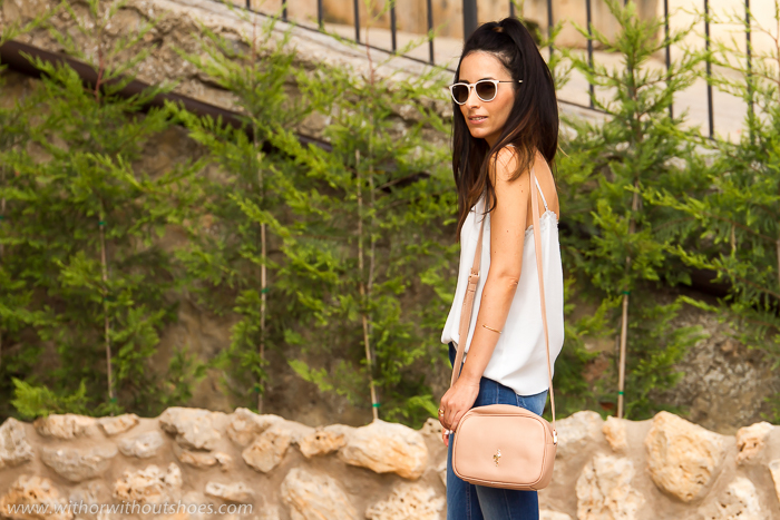 Blogger de moda de Valencia con look Look estilo años 70