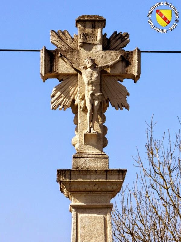 NANCOIS-SUR-ORNAIN (55) - Croix de chemin (1826)