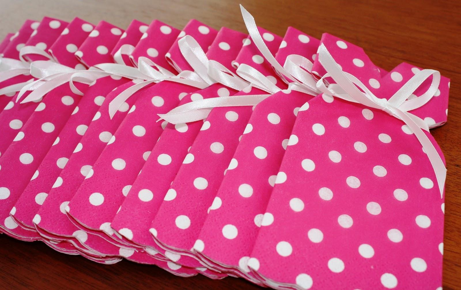 servietfoldning barnedåb kjole