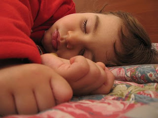 لماذا يتغير وجهك عند النهوض من النوم ؟؟؟