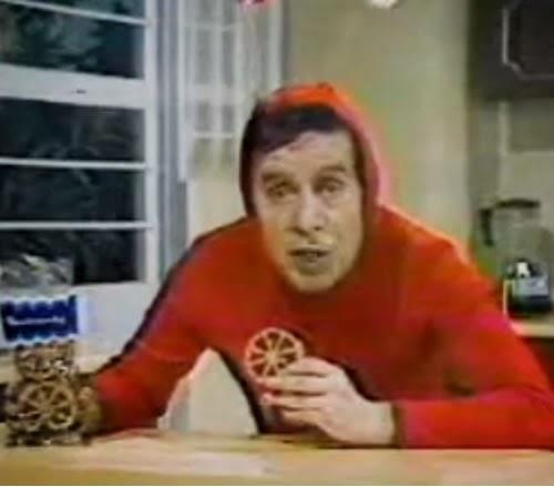 Propaganda dos biscoitos da Bimbo estrelado pelo Chapolin Colorado (Roberto Bolaños).