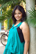 Actress Anjali New Photos, Anjali hot photoshoot stills-thumbnail-10