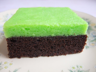 Steam Cake Recipes Pictures : Veronica s Kitchen: Steamed Chocolate Brownies Layer Green ...