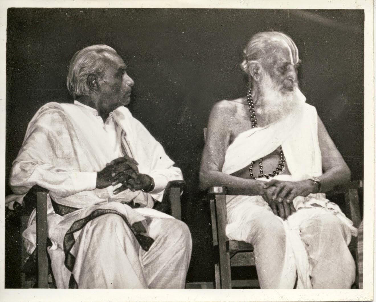 B.K.S. Iyengar y Krishnamacharya