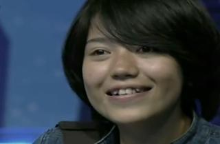 foto Riska Afrilia finalis Indonesian Idol imut