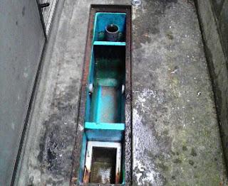 除害施設清掃2011.12.08