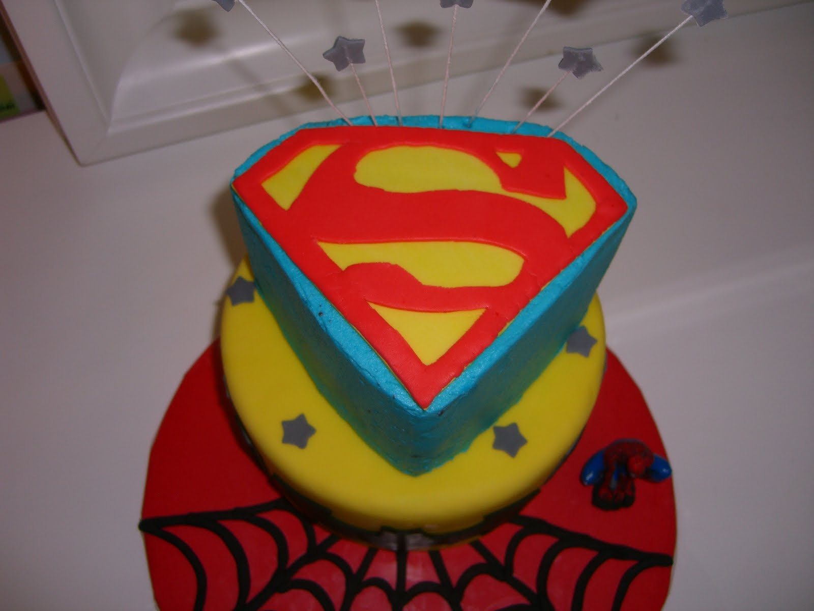 Super hero cake for Superman template for cake