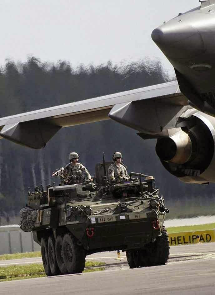 Tropas americanas em manobras na Letônia