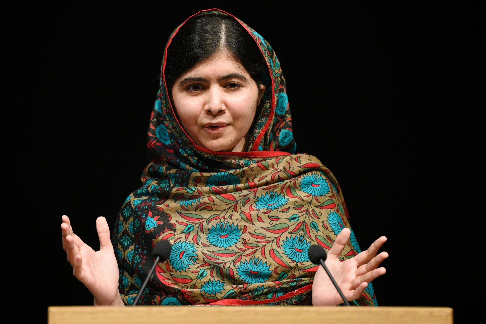 Malala Yousafzai, Nobel Peace Prize Winner HD Pictures