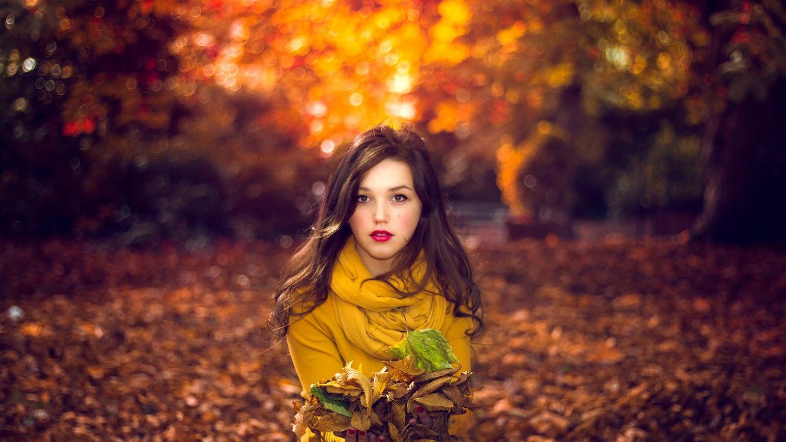 Фото красивых девушек брюнеток осенью 3 фотография