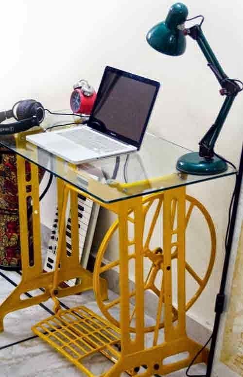Blog de arquitetura e decora o decor p de m quina de for Mesas de escritorio antiguas