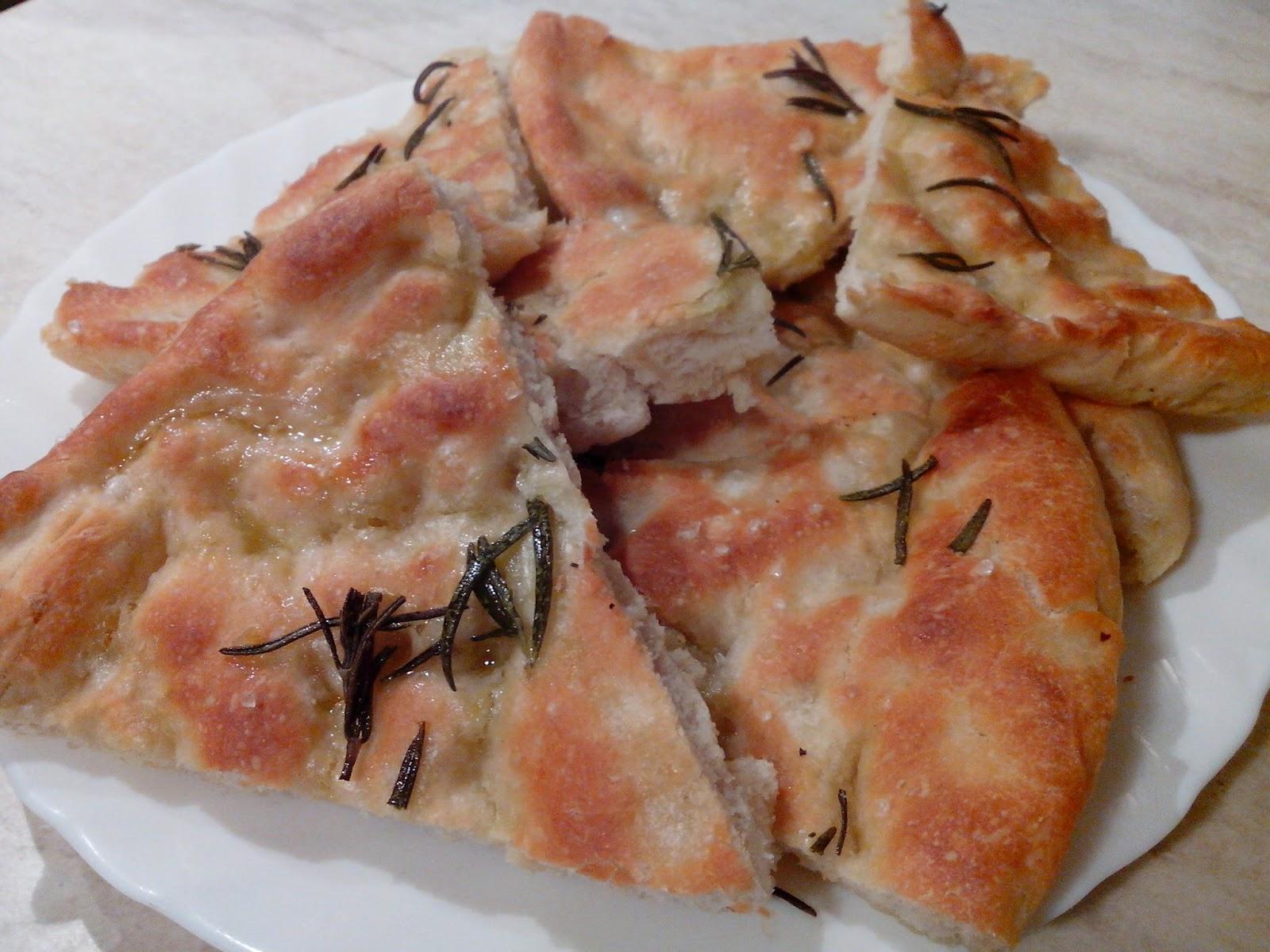 pizza bianca al rosmarino