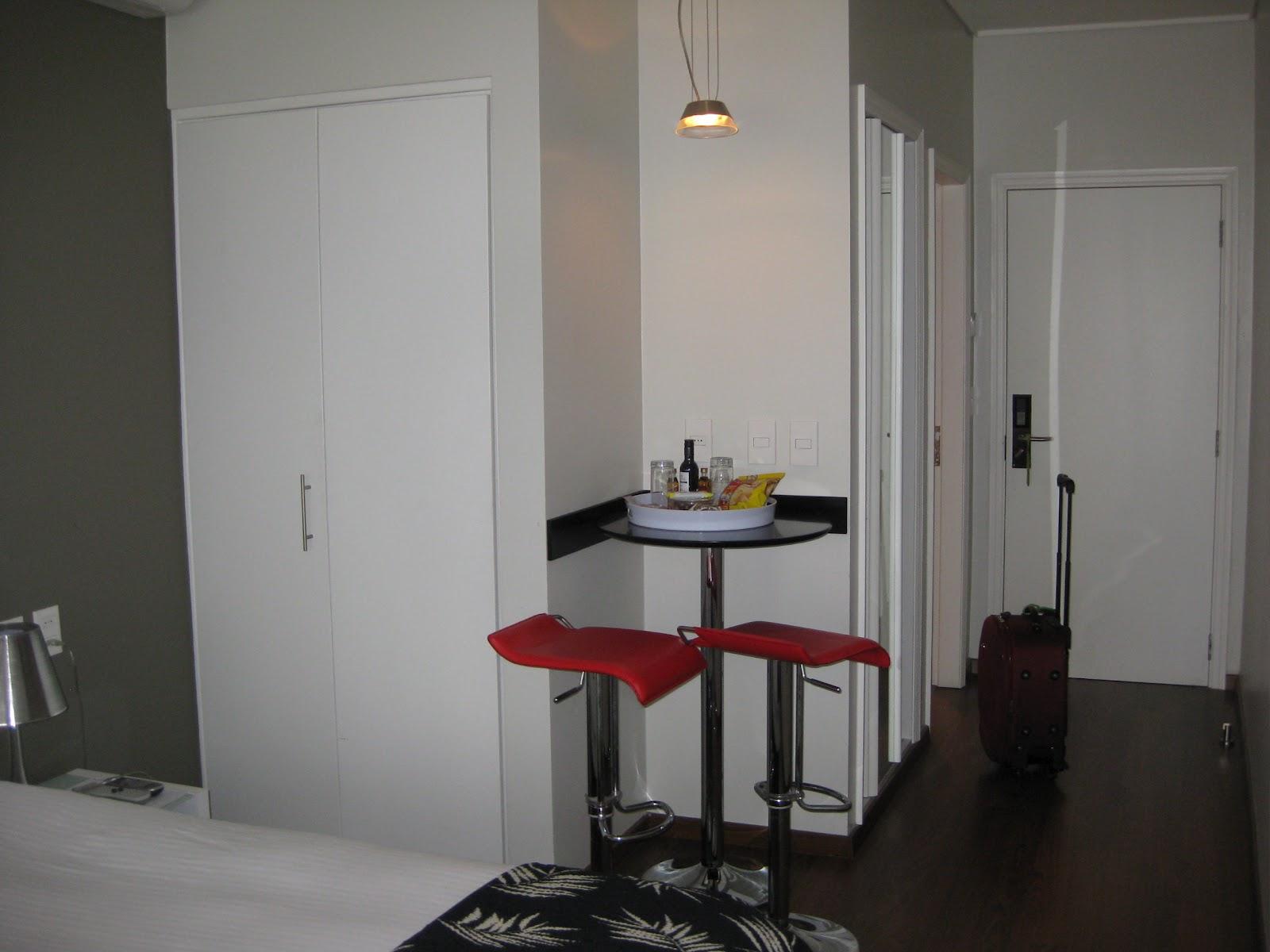 Imagens de #613030 Dividindo a Bagagem: Hotel em Montevidéu: Regency Golf Hotel Urbano 1600x1200 px 2738 Box Banheiro Peixe Urbano