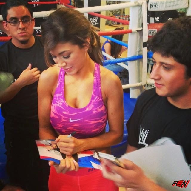 Rosa Mendes Signing Autographs