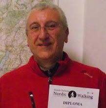 in LONATO del GARDA Istruttore di Nordic Walking