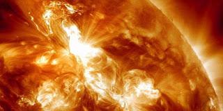 Badai Matahari Terbesar Akan Hantam Bumi