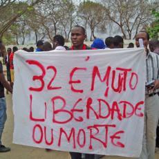 Angola: POLÍCIA TRAVA MIL MANIFESTANTES NO CENTRO DE LUANDA