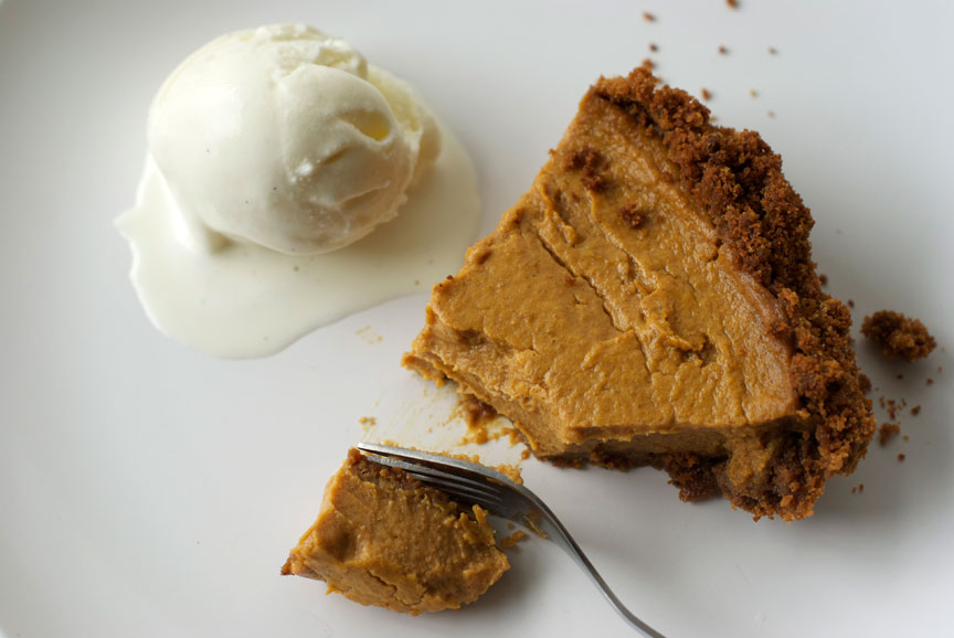 Pie O'Clock: Maple Pumpkin Pepper Pie with Gingersnap Crust ...